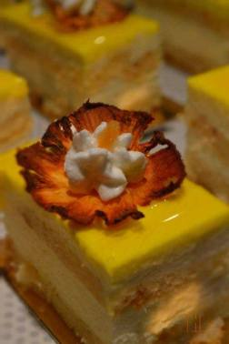 Financier Pine Apple